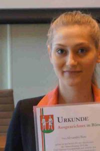 Alexandra Barz